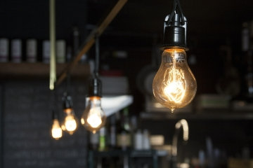 light-bulbs-406939_1920